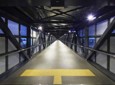 Aubin Grove Station pedestrian walkway
